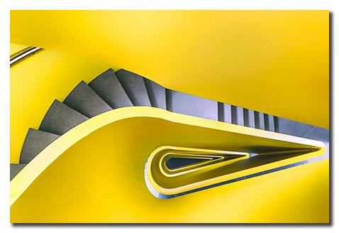 photographie-romina-kutlesa-escalier-black-and-yellow-03